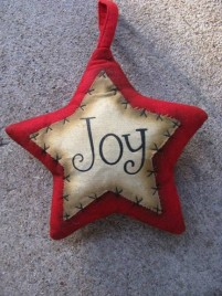 Primitive Decor 1146089RJ - Red Joy Star