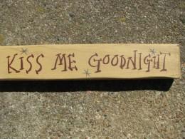 M9005KMG-Kiss Me Goodnight wood block