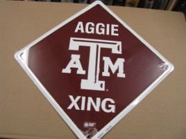 XS67015-Texas A&M L Crossing Metal  Sign